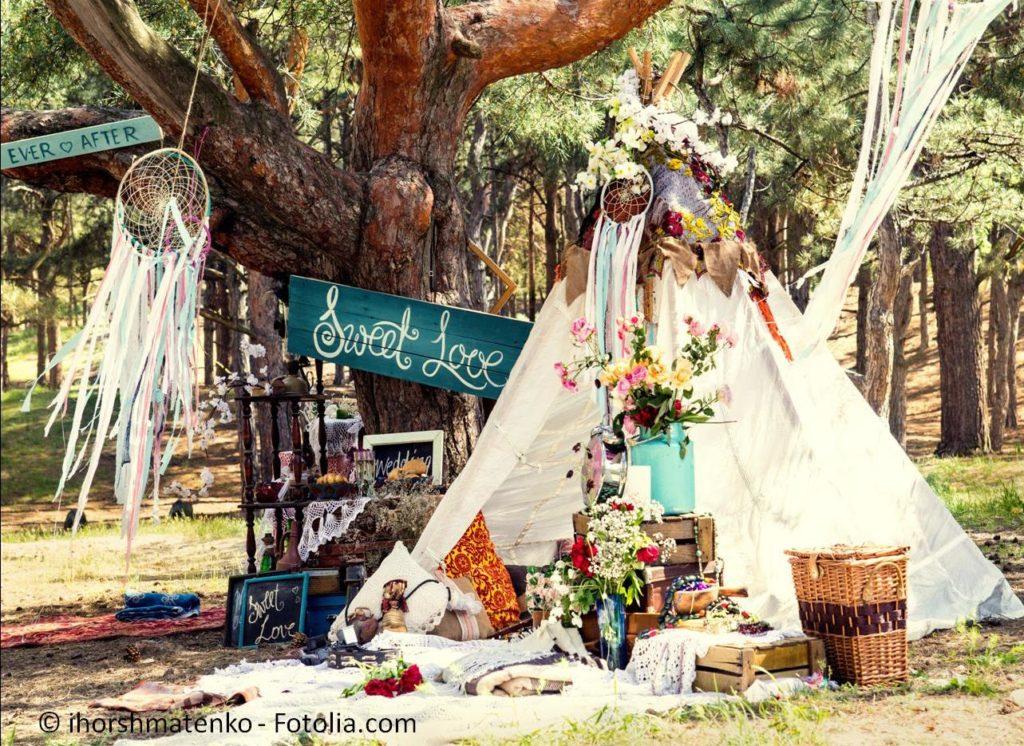 Lassen Sie sich auf einer regionalen Hochzeitsmesse inspirieren - #120954723   © ihorshmatenko - Fotolia.com